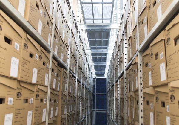 - Stockage et Gestion d`archives