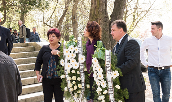 Ceremonia de depunere a rămășițelor pământești aparținând Mariei Brătianu